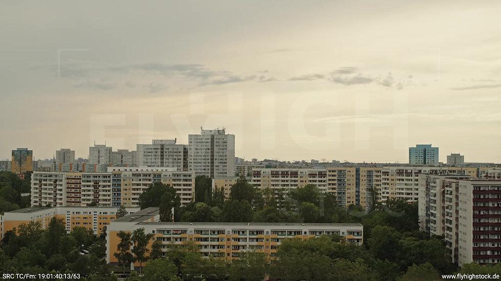Berlin Marzahn Skyline Hub tagsüber 2