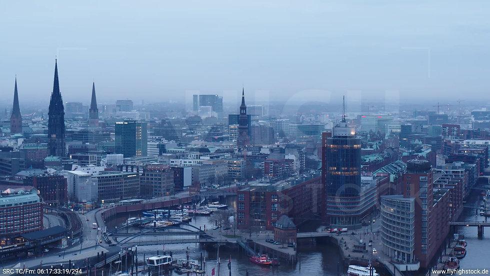 Hamburg Hafen Zuflug Skyline morgens 2