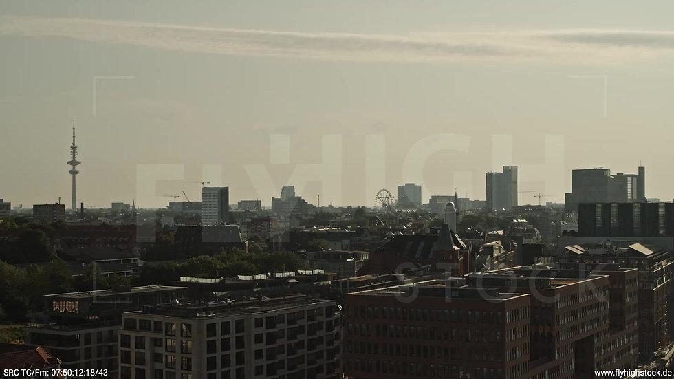 Hamburg Altonaer Holzhafen Skyline Zuflug morgens 5