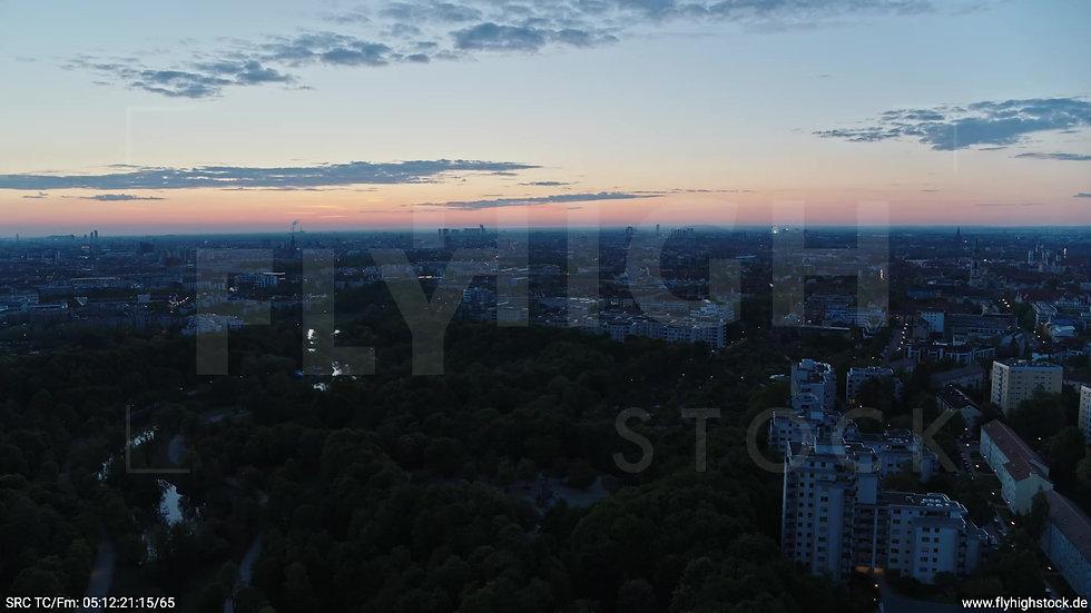 München Westpark Ost Skyline Parallelflug morgens 3