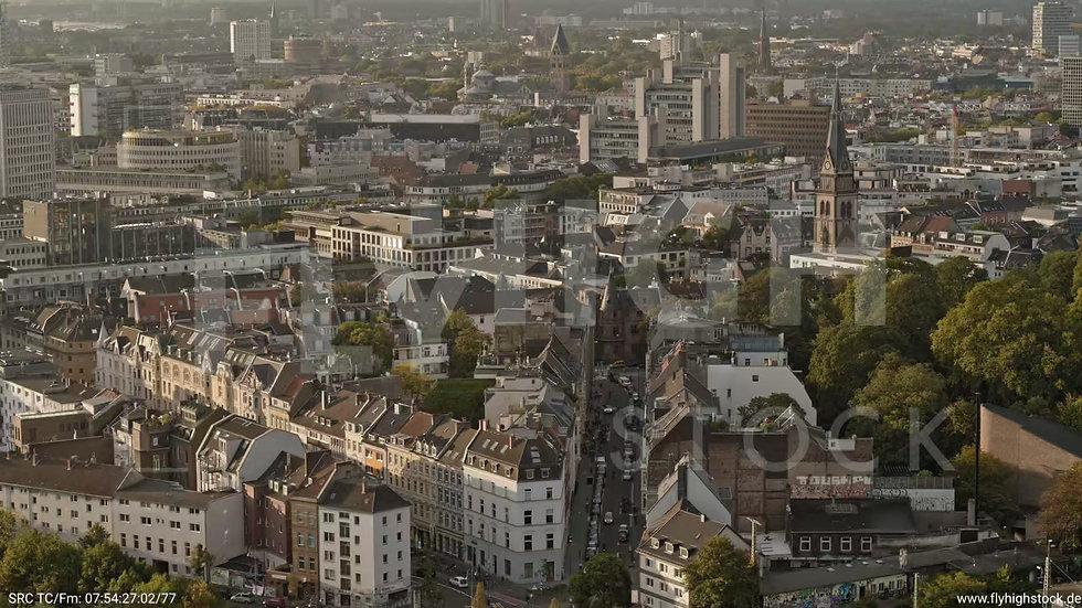 Köln Herkulesberg Zuflug nach unten C052_C023