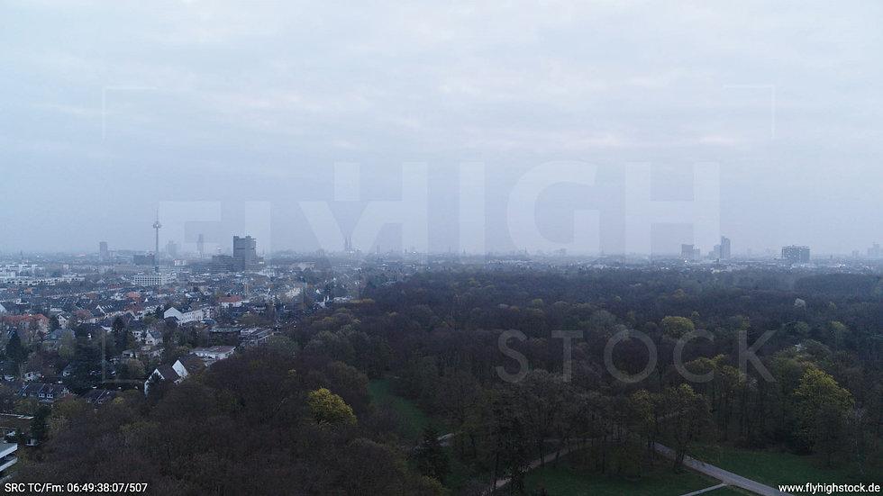 Köln Stadtwald Skyline Hub morgens 2