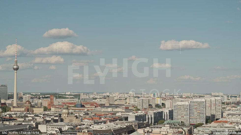 Berlin Potsdamer Platz Ost Skyline Parallelflug tagsüber D032_C004