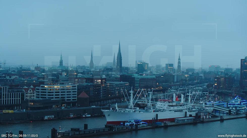 Hamburg Hafen Parallelflug Skyline morgens bewölkt Winter 3