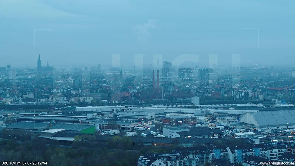 Köln Vorgebirgspark Skyline Zuflug morgens 10