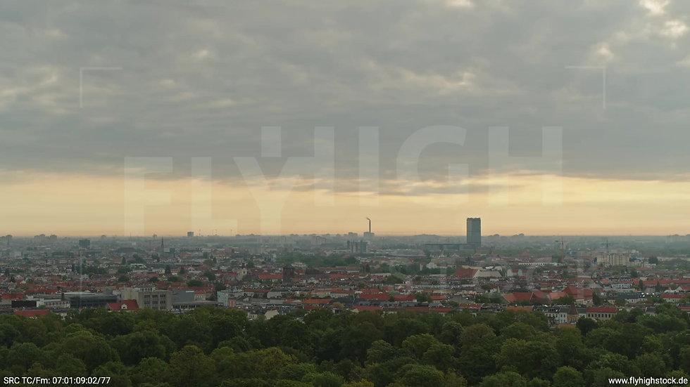 Berlin Hasenheide Allianz Skyline Zuflug morgens 5