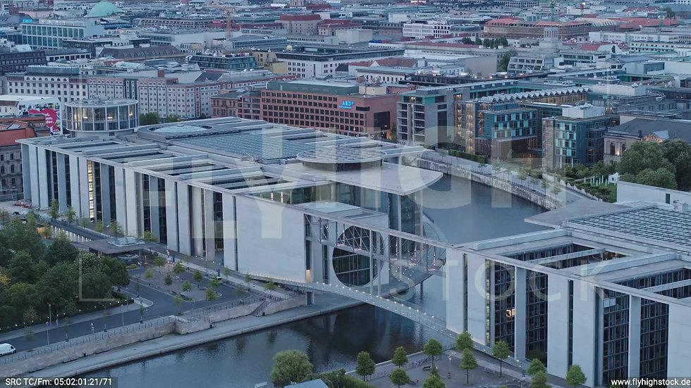 Berlin Spreebogenpark M-E-L-Haus Zuflug nach unten morgens D037_C011
