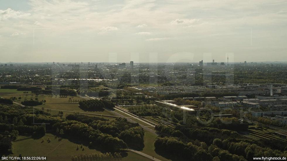 München Riemer Park Skyline Rückflug tagsüber 3