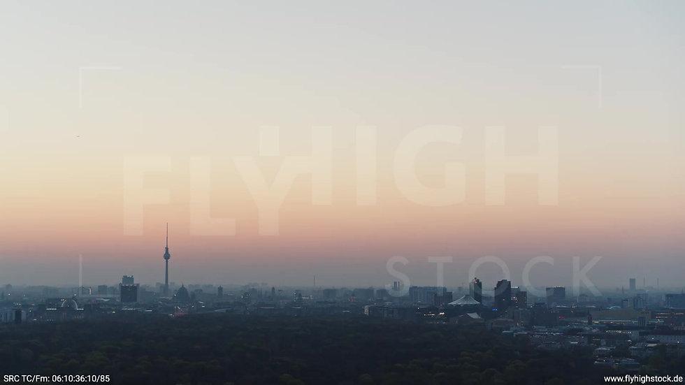 Berlin Tiergarten Skyline Zuflug morgens