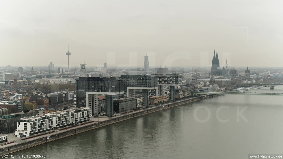 Köln Poller Wiesen Skyline Zuflug tagsüber 2
