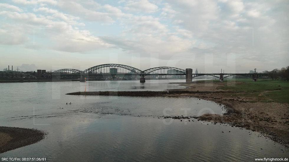 Köln Südbrücke Skyline Hub morgens