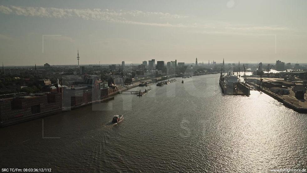 Hamburg Altonaer Holzhafen Fischmarkt Zuflug nach unten morgens 2