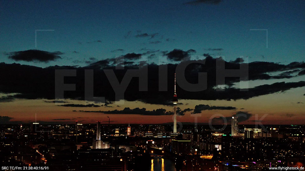 Berlin East Side Gallery Skyline Rückflug abends 7