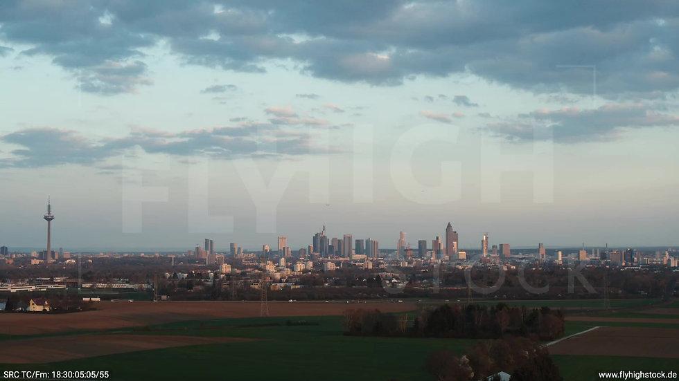 Frankfurt Skyline Rückflug abends 2