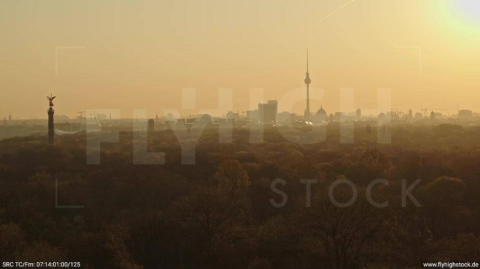 Berlin Tiergarten Skyline Parallelflug morgens 11