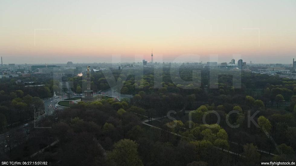 Berlin Tiergarten Skyline Rückflug morgens 6