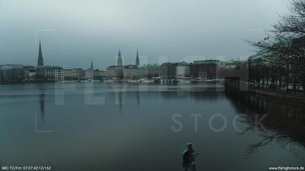 Hamburg Innenalster Hub morgens bewölkt Winter