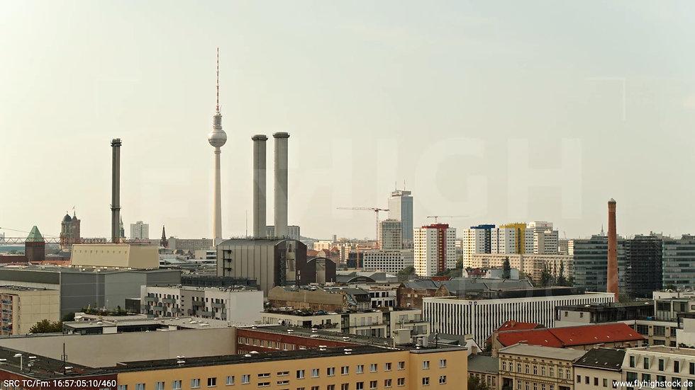 Berlin Köpenicker Str. Heizkraftwerk Hub tagsüber D001_C036