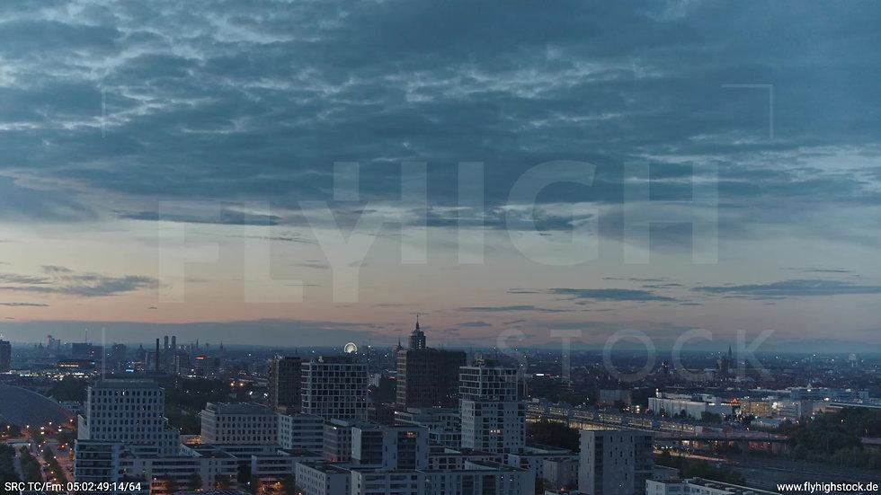 München Hirschgarten Riesenrad Skyline Parallelflug morgens 2