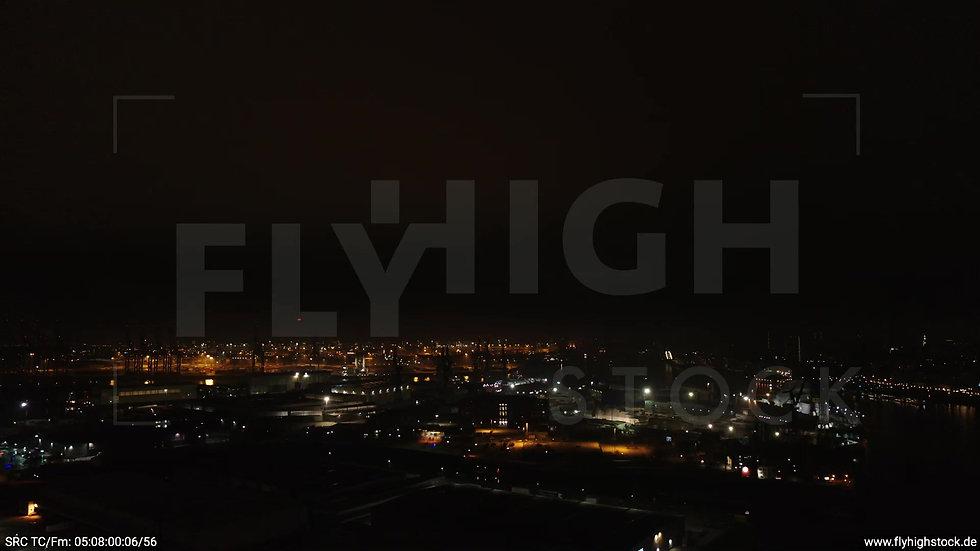 Hamburg Hafen Zuflug Industrie nachts 2