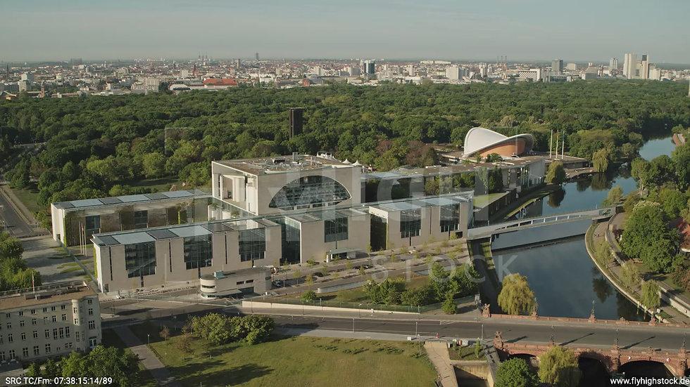 Berlin Spreebogenpark Kanzleramt Zuflug nach unten tagsüber D031_C004