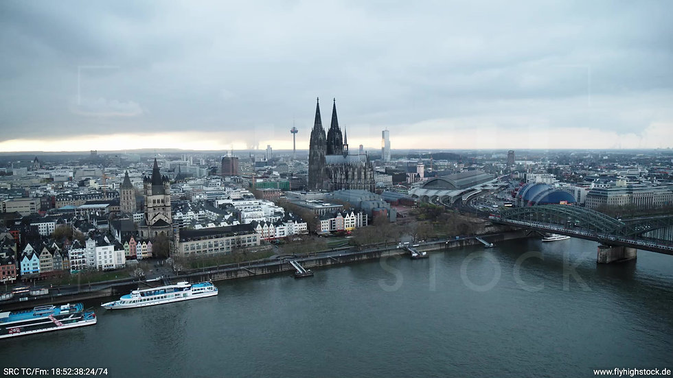 Köln Kennedy-Ufer Skyline Zuflug tagsüber 6