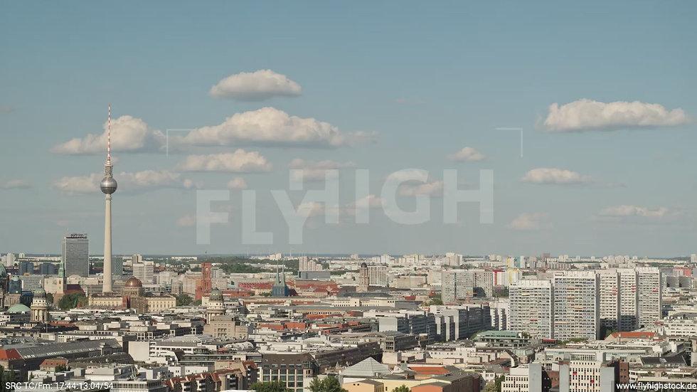 Berlin Potsdamer Platz Ost Skyline Parallelflug tagsüber D032_C003
