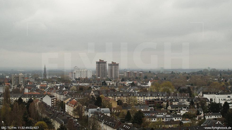 Köln Vorgebirgspark Allianz Wohnpark Skyline Hub tagsüber