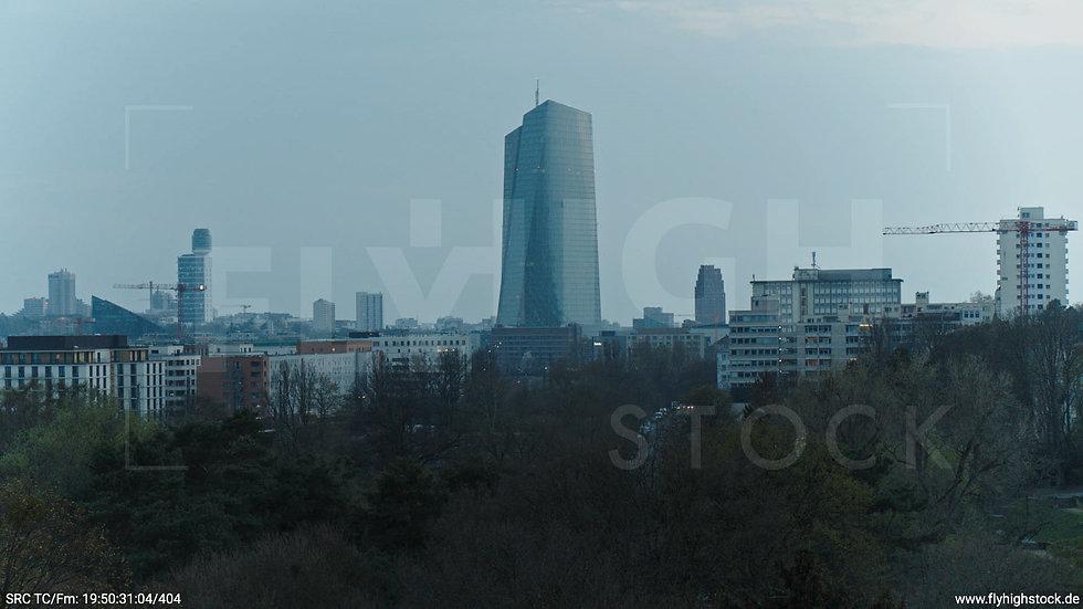 Frankfurt Ostpark Hub EZB abends