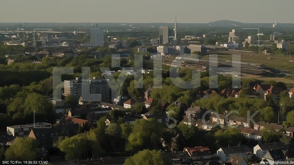 Duisburg Akkurt Wasserturm Parallelflug nach unten G005_C017