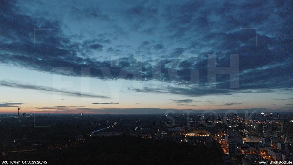 München Hirschgarten Olympiaturm Skyline Zuflug morgens