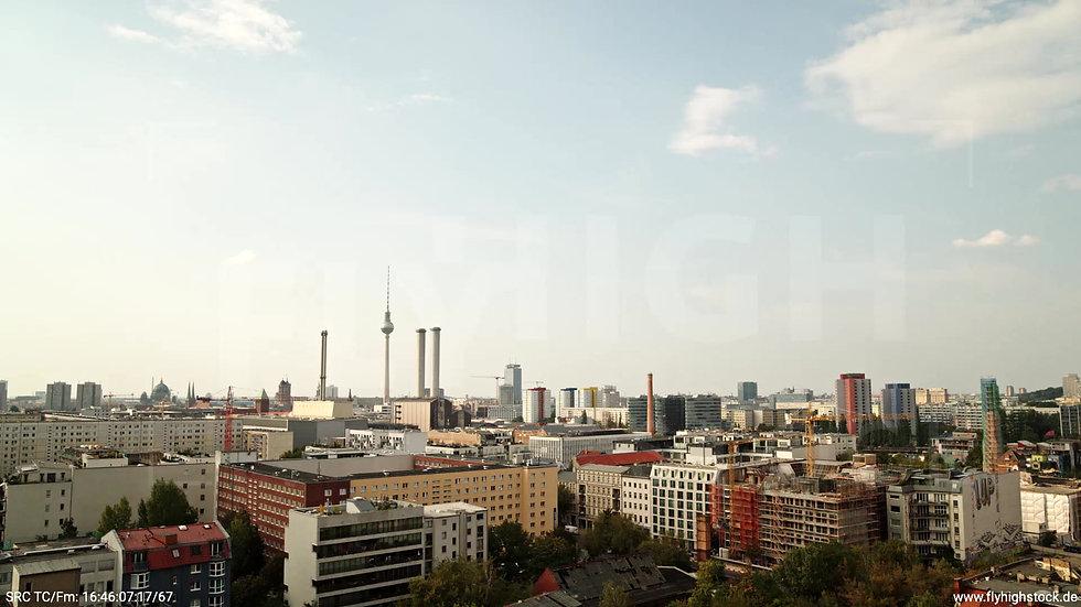 Berlin Köpenicker Str. Skyline tiefer Zuflug tagsüber D001_C026