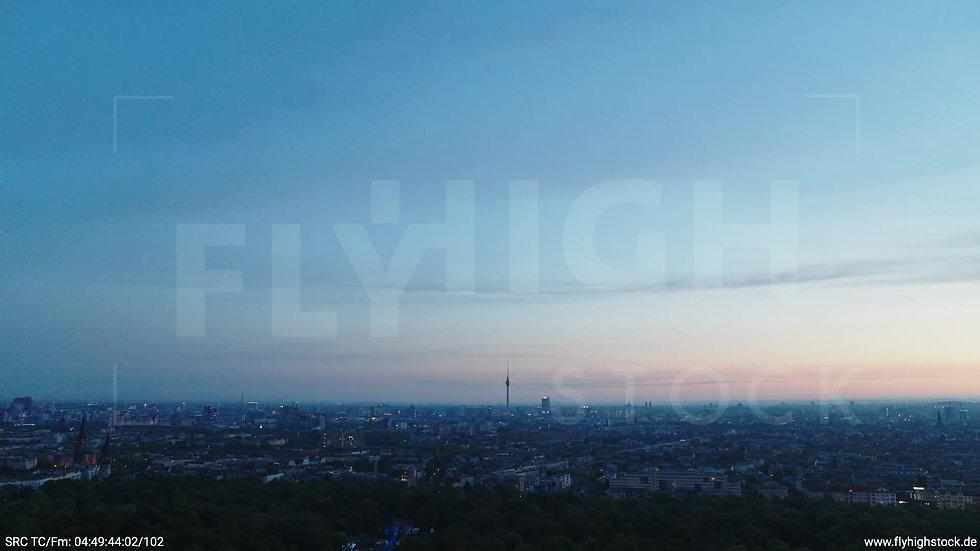 Berlin Hasenheide Skyline Zuflug morgens 3