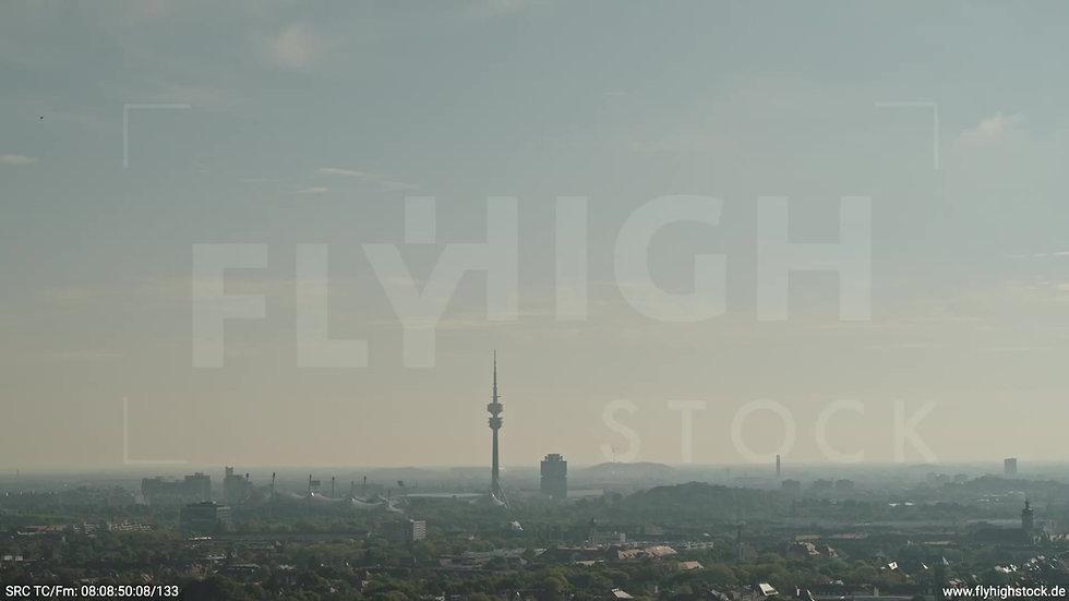 München Hirschgarten Olympiaturm Skyline Parallelflug morgens 4