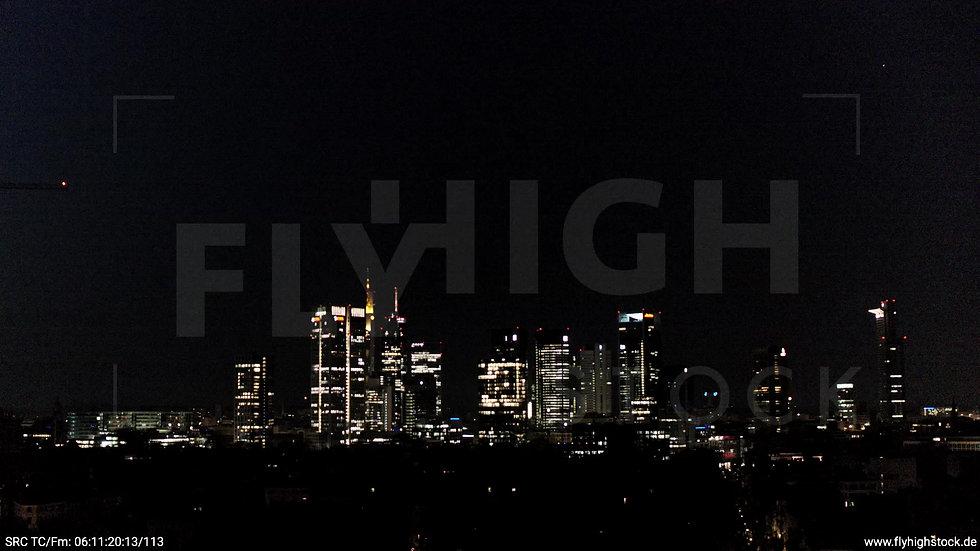 Frankfurt Grüneburgpark Zuflug Skyline nachts 3