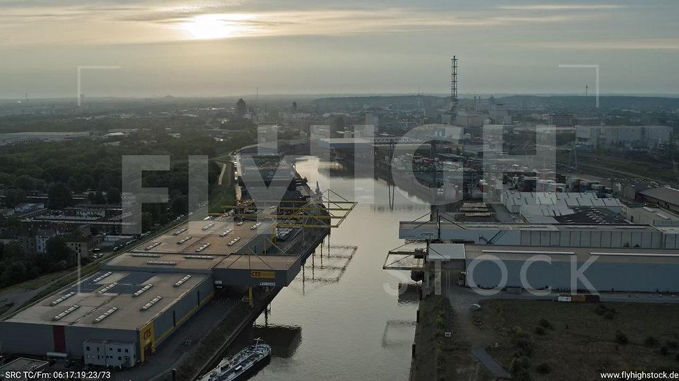 Duisburg Parallelhafen Zuflug nach unten G008_C002