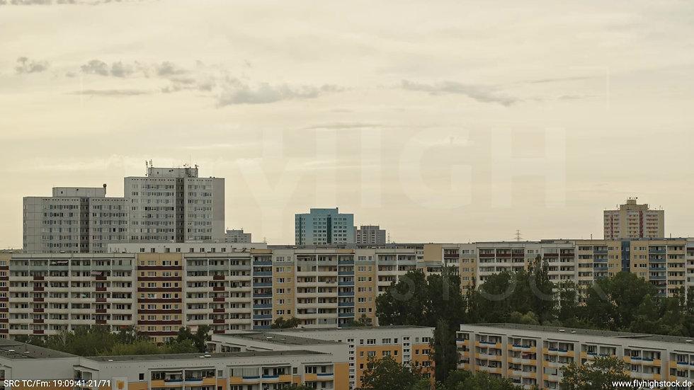 Berlin Marzahn Stadtteil-Shot Rückflug tagsüber