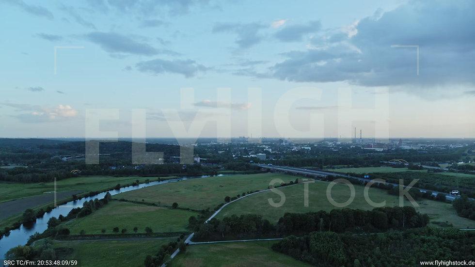 Duisburg Städtedreieck Zuflug nach unten G017_C003