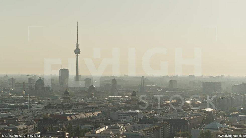 Berlin Potsdamer Platz Ost Skyline Parallelflug morgens D035_C009