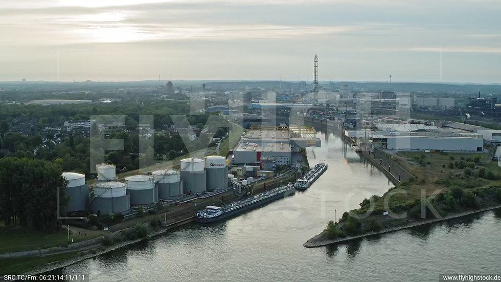 Duisburg Parallelhafen Zuflug nach unten G008_C005