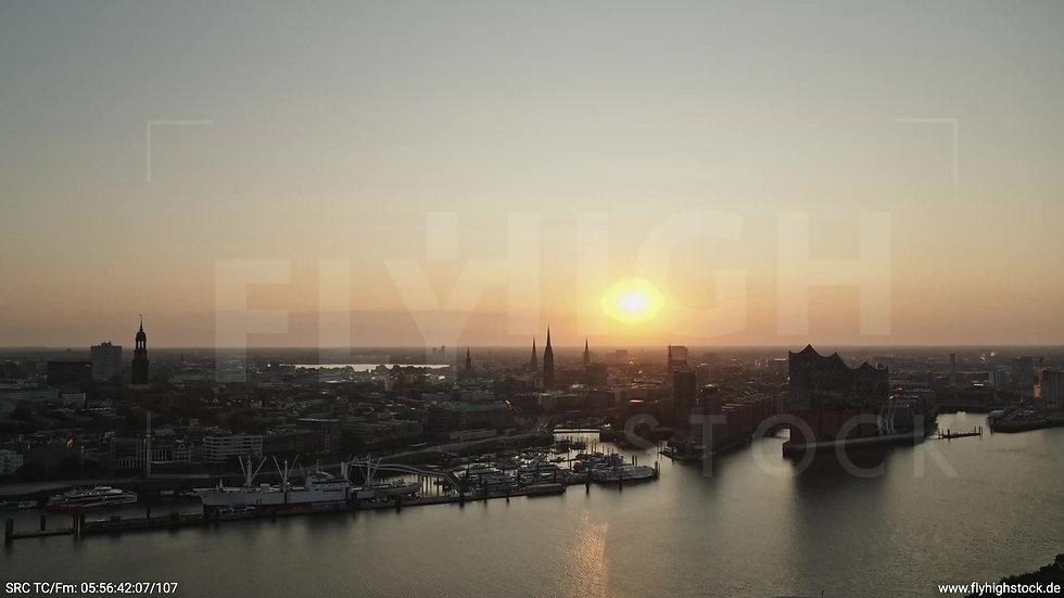 Hamburg Hafen Skyline Zuflug nach unten morgens