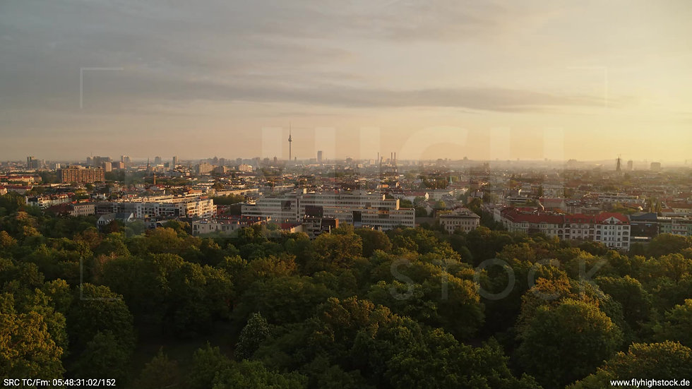 Berlin Hasenheide Skyline Rückflug morgens 6