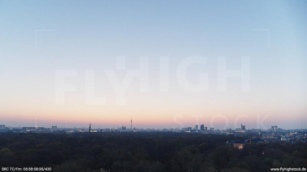 Berlin Tiergarten Skyline Hub morgens 3
