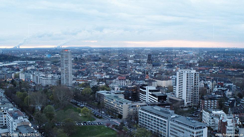 Köln Westufer Skyline Hub tagsüber 3