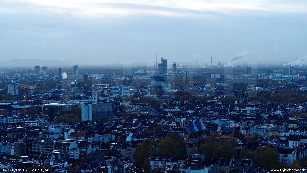 Köln Innerer Grüngürtel Skyline Parallelflug morgens C025_C020