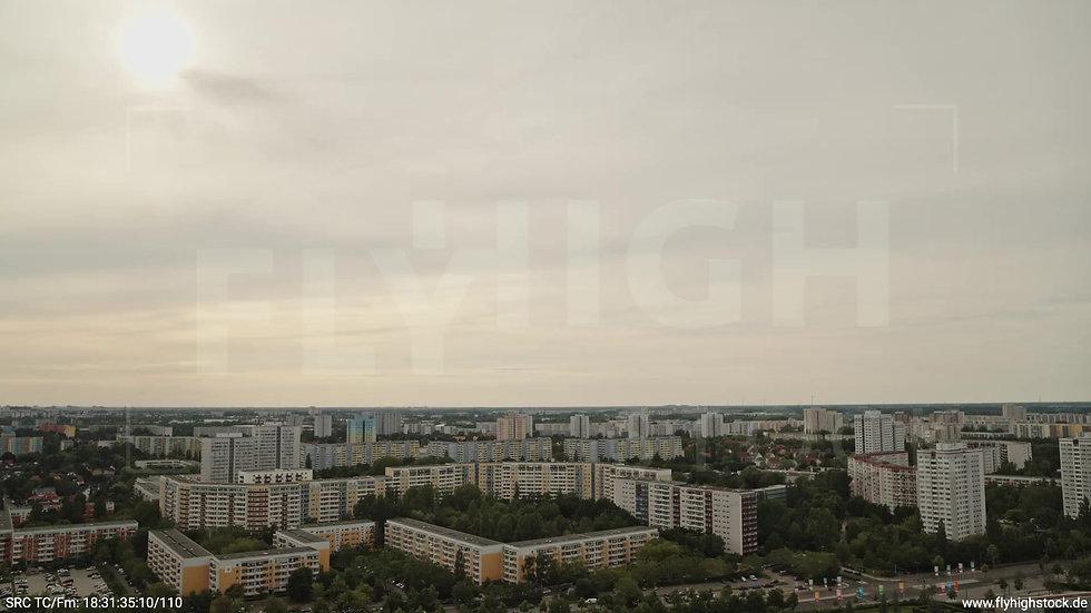 Berlin Marzahn Skyline Parallelflug tagsüber 6