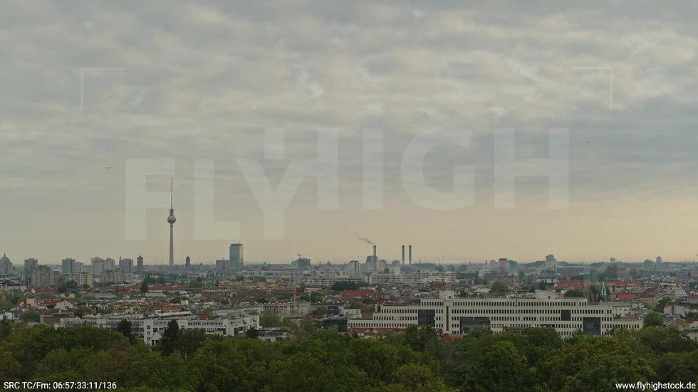 Berlin Hasenheide Skyline Rückflug morgens 10