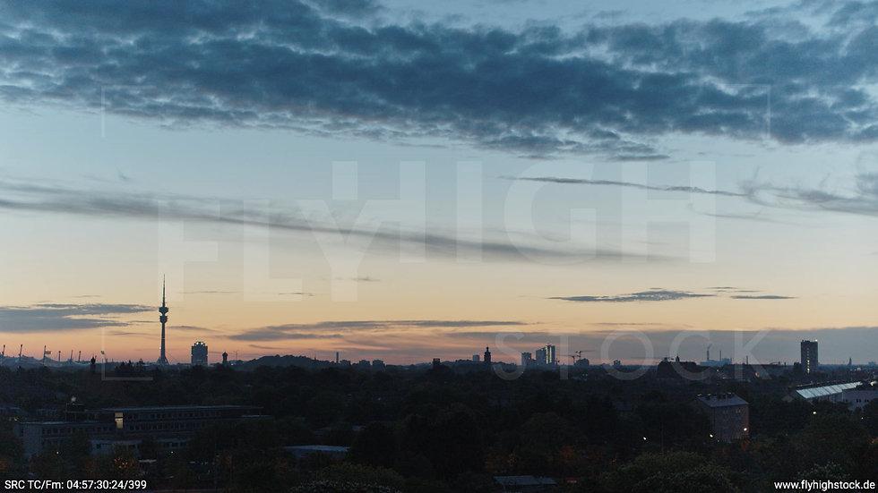 München Hirschgarten Olympiaturm Skyline Hub morgens 2