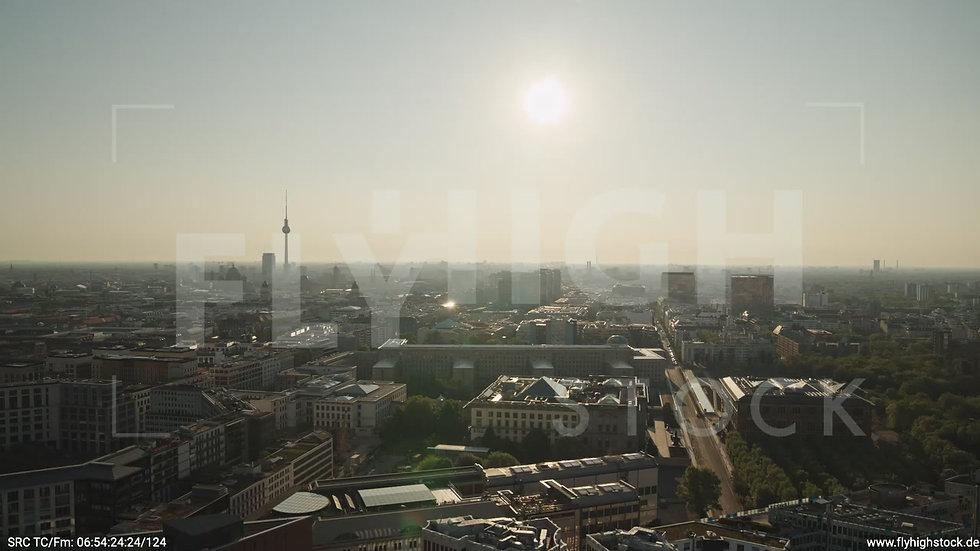 Berlin Potsdamer Platz Ost Skyline Parallelflug morgens D035_C006