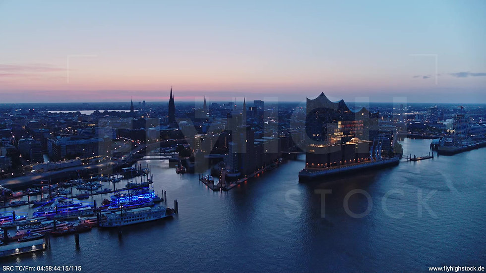 Hamburg Hafen Skyline Parallelflug morgens 4